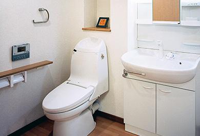 トイレ(自動開閉・自動洗浄)・洗面所